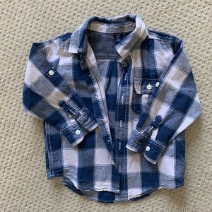 GAP blue and white checkered shirt. Size 3T